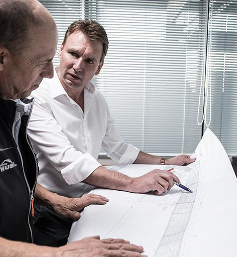 Dipl. Ing. (F) Thomas Huber im Bauleiterbüro